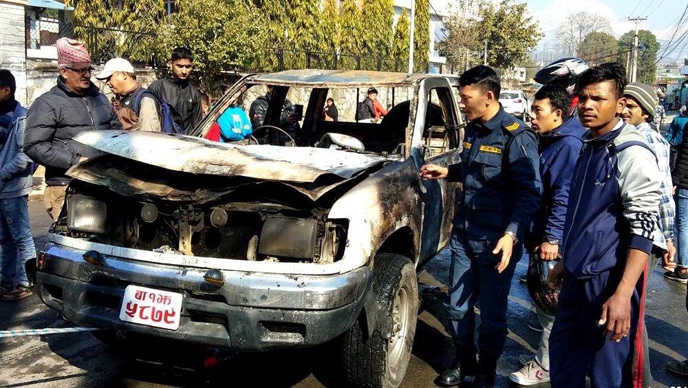 आक्रमक बन्दै नेवि संघ–सरकारी गाडीमा आगजनी, ५ पक्राउ