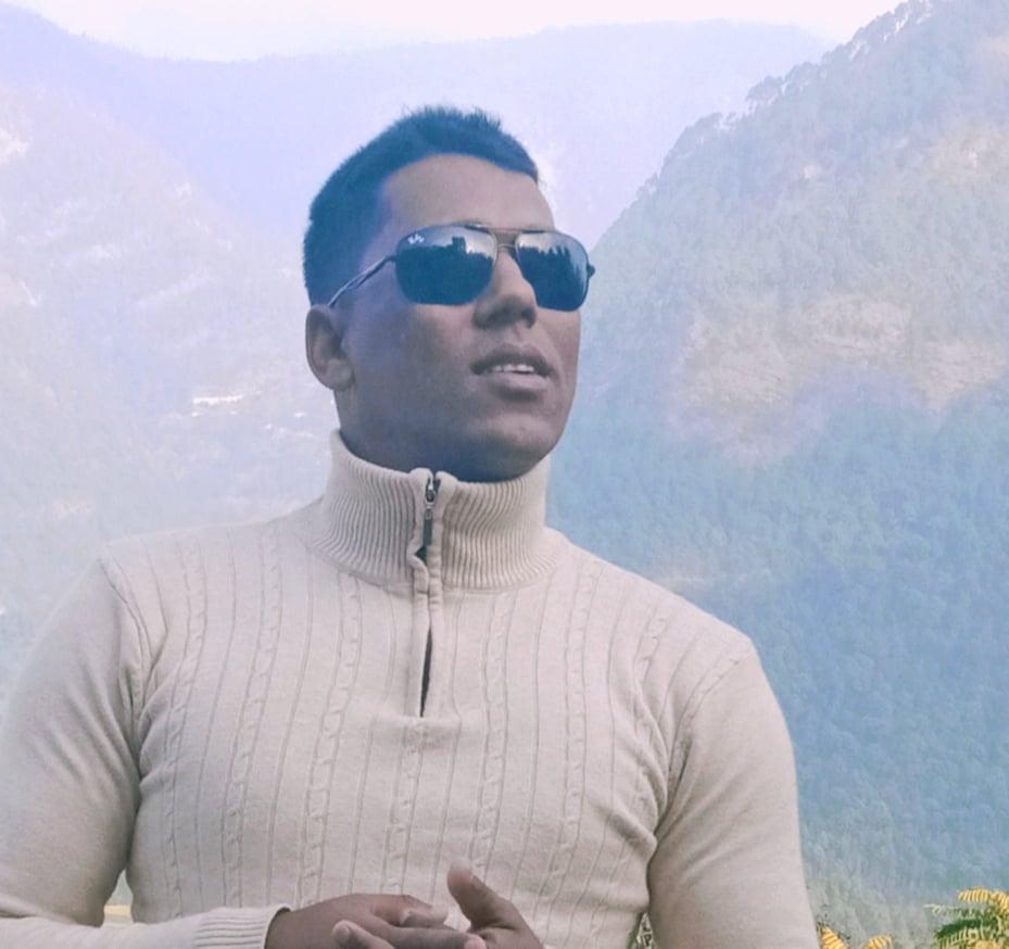 गायक जलनका १३ बर्षे सरकारी जागिर अघिका संघर्षका कथा