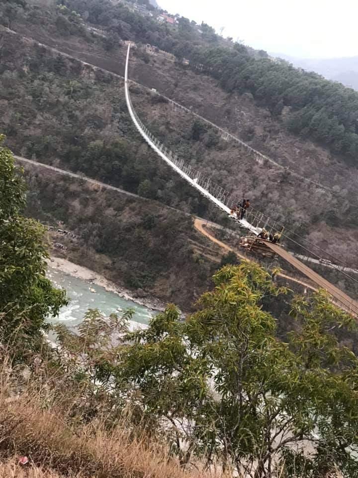 पर्वतको पाङ र बागलुङ जोड्ने नेपालकै अग्लो र लामो पुल केही दिनमा संचालनमा आउँदै ( फिटो फिचर )