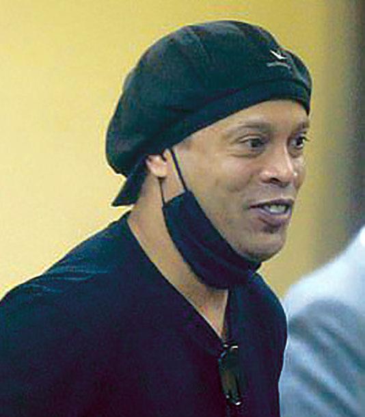 रोनाल्डिन्हो पाँच महिनापछि जेलबाट रिहा