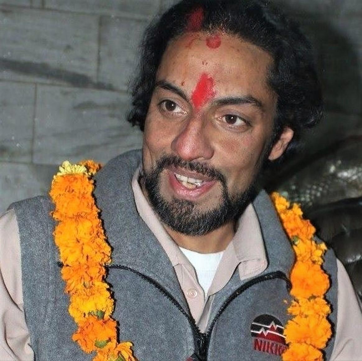 नारायणगढमा रहेका पूर्वयुवराज पारस शाहको छातीमा समस्या, चिकित्सकको टोली होटलमै पुगेर उपचार गर्दै