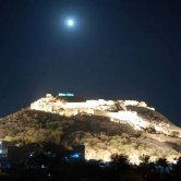 Bhongir Fort rests upon a monolithic rock at a height of 500 feet. The fort was constructed by Tribhuvanamalla Vikramaditya, the Western Chalukya ruler, in the 12th century. Covering a massive area of 40 acres,
