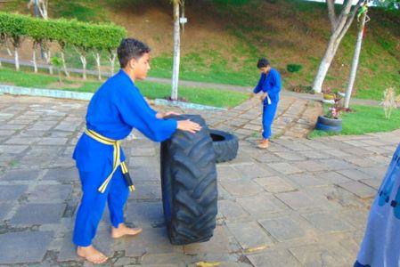25_1 Academia de Artes Marciais em Gandu promove treinamento funcional