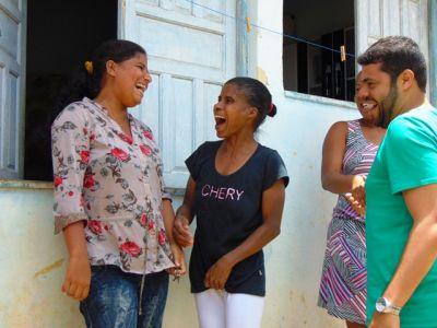 DSC08638 Gandu: Prefeito Léo foi recebido com alegria durante as comemorações ao Dia da Criança