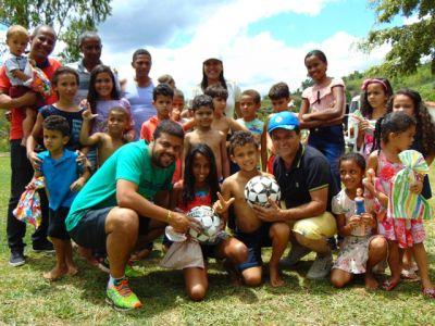 DSC08696 Gandu: Prefeito Léo foi recebido com alegria durante as comemorações ao Dia da Criança
