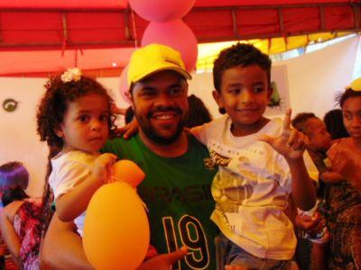 DSC08773 Gandu: Prefeito Léo foi recebido com alegria durante as comemorações ao Dia da Criança