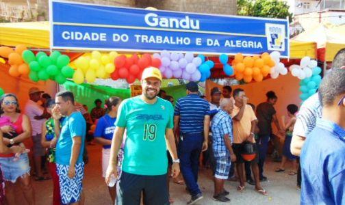 DSC08785 Gandu: Prefeito Léo foi recebido com alegria durante as comemorações ao Dia da Criança