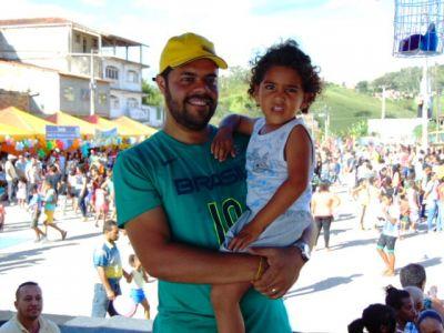 DSC08817 Gandu: Prefeito Léo foi recebido com alegria durante as comemorações ao Dia da Criança