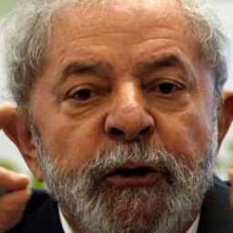 Lula vai à Justiça e pede indenização de R$ 1 milhão a revista