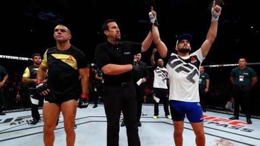 Belfort-%C3%A9-nocauteado-no-1%C2%BA-round-e-acumula-pior-sequ%C3%AAncia-em-12-anos-no-UFC-e1489300064161 Belfort é nocauteado no 1º round e acumula pior sequência em 12 anos no UFC