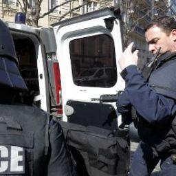 Carta-bomba explode na sede do FMI em Paris