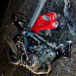 Caminhão atinge moto com 4 ocupantes na Bahia. 3 morreram no local.