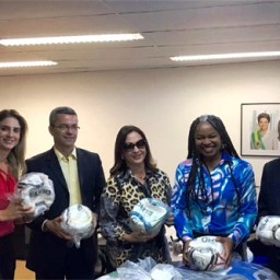 Prefeita solicita reforma e municipalização do Ginásio de Esportes de Ipiaú