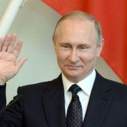 Putin diz que Rússia está aberta ao diálogo com os EUA