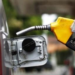 População reclama do aumento no preço do combustível em Gandu