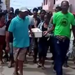 Bebê vítima de naufrágio é enterrado nesta sexta-feira (25)