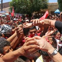 Caravana do ex-presidente Lula tem programação modificada