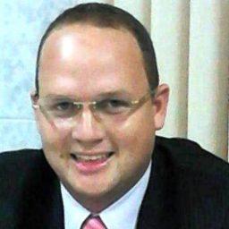NEPOTISMO: Justiça manda Presidente da Câmara de Cupira afastar irmã de cargo