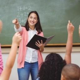 Governo oferece mais de 60 mil bolsas para professores da educação básica