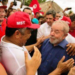 Valmir afirma que denúncia contra Lula e Dilma é mais uma tentativa de frear o ex-presidente