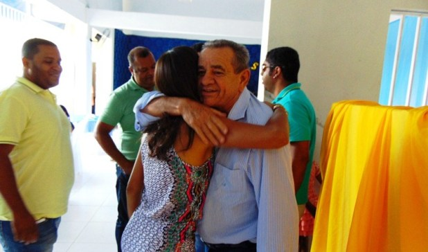 Deputado Euclides Fernandes foi recebido com alegria em Gandu
