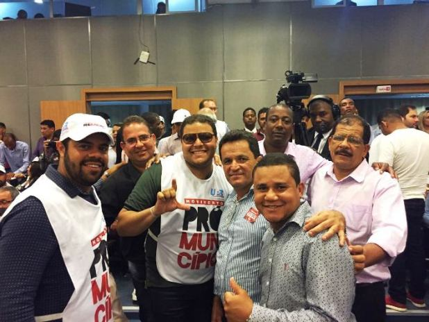 Prefeito de Gandu participa de mobilização em prol dos municípios
