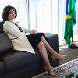 Procuradora-geral da República dá parecer que pode liberar candidaturas sem filiação partidária