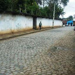 Moradores reivindicam construção de quebra-molas na avenida Gandu-Ibirataia