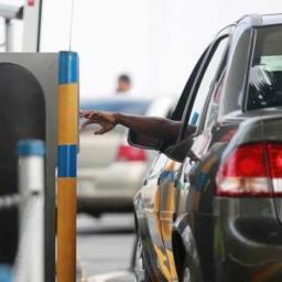 Justiça proíbe shopping de cobrar estacionamento de funcionários