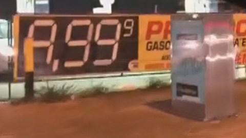 Preço da gasolina chegou a R$ 9,99 em Brasília