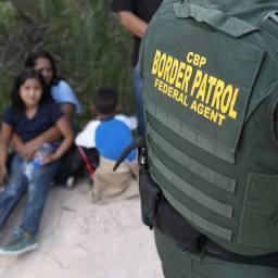 EUA detêm 49 crianças brasileiras em abrigos