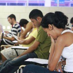 Mais de 8 mil candidatos realizam provas de concurso para auditor fiscal