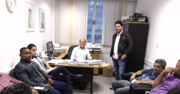 Esta imagem tem um texto alternativo em branco, o nome da imagem é Deputado-Joseildo-Ramos-recepcionou-comitiva-de-Pira%C3%AD-do-Norte-e-Gandu-5.jpg