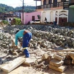 Gandu: Obras de pavimentação de ruas do Teotônio Calheira seguem em ritmo acelerado.