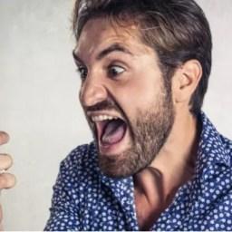 Excesso de ligações cobrando débito inexistente gera dano moral, diz TJ-SP