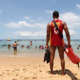 Corpo de Bombeiros intensifica ações no verão e dá dicas para segurança nas praias