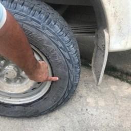 Carro do prefeito de Duque de Caxias é atingido por tiros