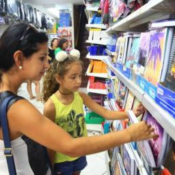 Confira sete dicas para economizar na compra de material escolar