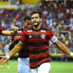 Em noite de estreias, Henrique Dourado salva o Flamengo de derrota