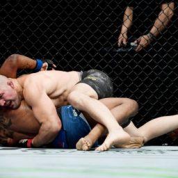 Glover Teixeira leva susto, mas finaliza Karl Roberson no UFC Brooklyn