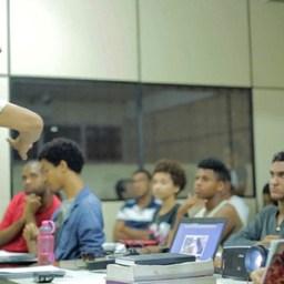 Alunos de curso oferecido por BCS conquistam vagas em universidades