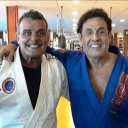 Aos 63 anos, Sergio Mallandro recebe faixa preta no jiu-jítsu
