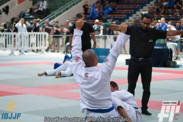 Atleta-ganduense-vence-campeti%C3%A7%C3%A3o-Internacional-de-Jiu-Jitsu-em-Curitiba-1 Atleta baiano assume liderança no ranking brasileiro de Jiu-Jitsu