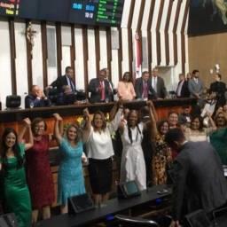 Deputados estaduais tomam posse na AL-BA