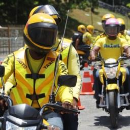 Detran capacita mototaxistas para qualificar atendimento no Carnaval