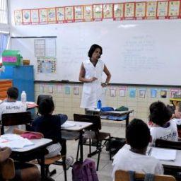 Ministério da Educação decide pedir de volta plano para carreira do professor