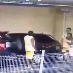 Policial é agredido por advogado em estacionamento de shopping