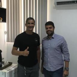 Gandu: Prefeito Leonardo Cardoso recepciona atleta de Jiu-Jitsu