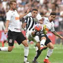 Corinthians e Santos decepcionam e não saem do zero em Itaquera