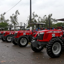 Equipamentos fortalecem agricultura familiar em 368 municípios